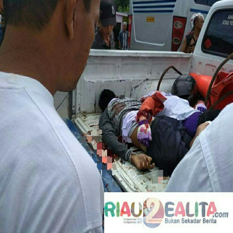 Kecelakaan Maut terjadi di Jalan Lintas Duri - Pekanbaru KM 11 Kecamatan Pinggir