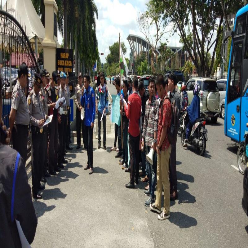 Tuntut Mafia Pasir ilegal di Pulau Rupat Utara, Puluhan Mahasiswa adakan aksi