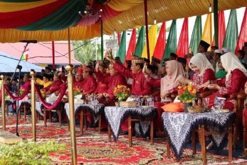 Pawai Ta'ruf MTQ ke-48 Kabupaten Inhil di Teluk Pinang Dimeriahkan Ribuan Peserta