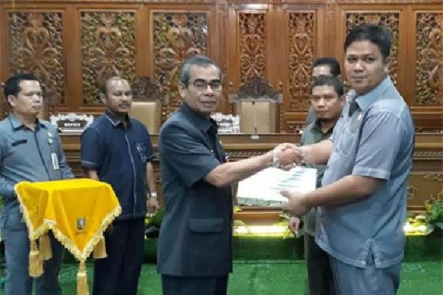Bupati Mursini Sampaikan Nota RAPBD 2019 Kepada DPRD Kuansing