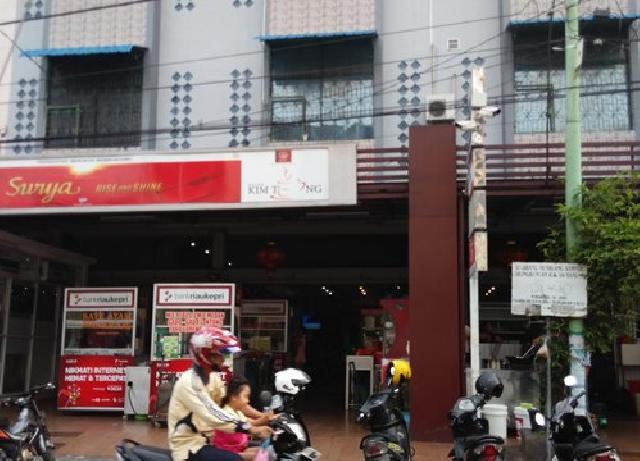 Wali Kota dan Sekda Kota Pekanbaru Keracunan Usai Makan Roti Bakar di Kim Teng Senapelan