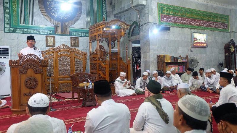 Bupati Wardan Hadiri Tabligh Akbar di Masjid Agung Al Huda Tembilahan