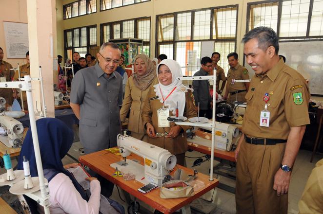 Pemprov Riau Komit Tingkatkan Pendidikan dan Kualitas SDM