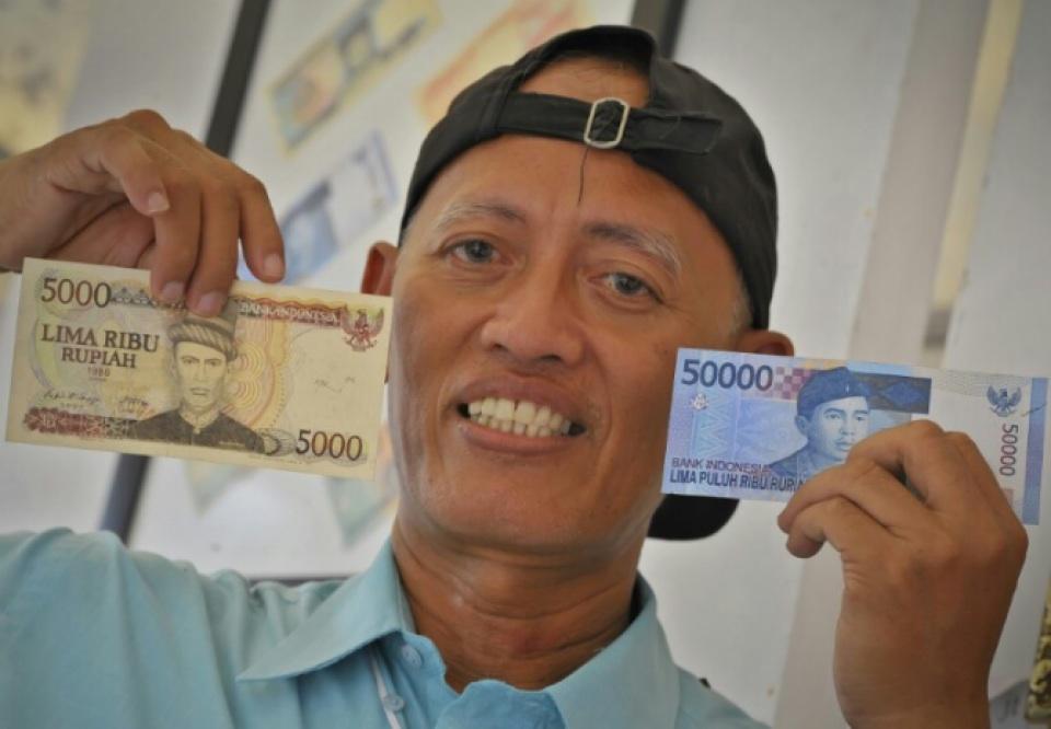 Mengenal Sosok Pak Mujirun, Sang Pelukis Mata Uang Rupiah
