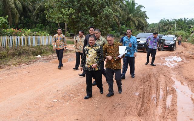 2019, Bupati Amril Mukminin Tetap Komit Benahi Infrastruktur