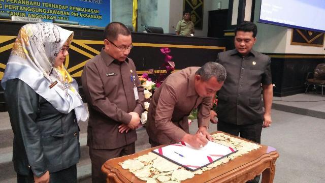 Pemko Pekanbaru dan DPRD Bahas Laporan Pertanggungjawaban APBD 2017